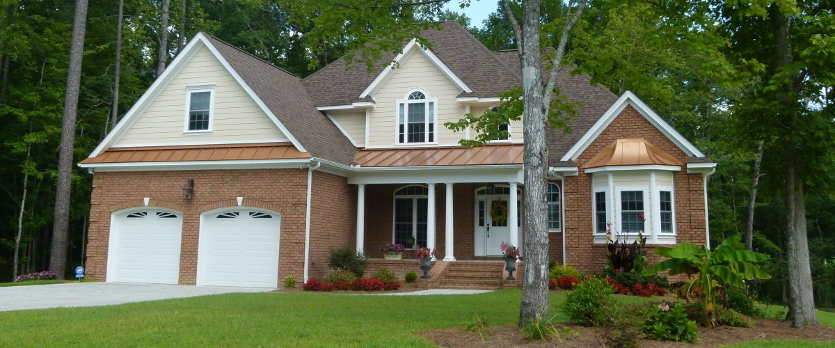 Eastern NC Custom Built Home with Bay Window, tin overhang, and 2 car garage
